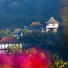 KANDY. TEMPLE OF THE SACRED TOOTH RELIC SEEN FROM THE LAKE SIDE. SRI DALADA MALIGAWA. CENTRAL SRI LANKA.