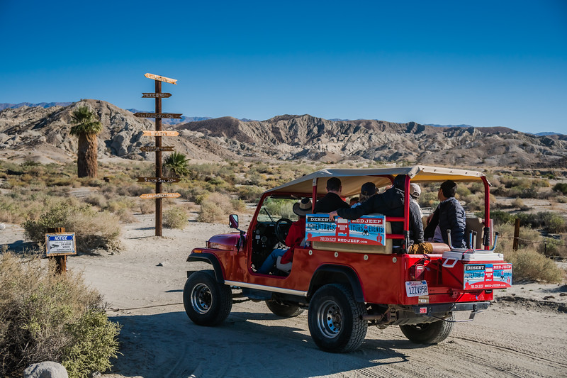 The Red Jeep Desert tour heading off to find the fault!