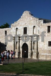 Welcome - The Alamo, once defended with one's life, now welcoming thousands everday though it's doors (San Antonio, Texas)