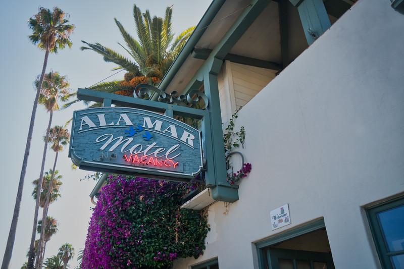 "Ala Mar Motel sign showing ""Vacancy"""
