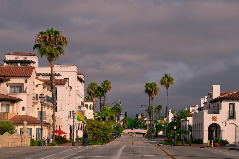 State Street looking toward town from Stearns Wharf