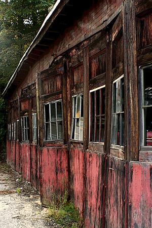 Rundown Garage<br /> Weare, NH