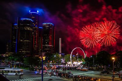 Detroit fireworks 2013