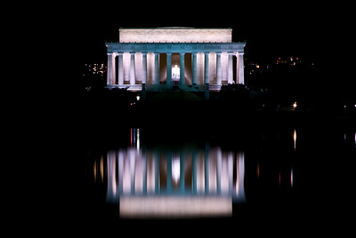 Lincoln Memorial across the reflecting pool  Aspect Photography www.aspect-photo.com