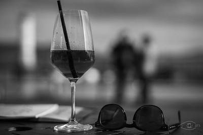 Spritz mit Sonnenbrille, Hafen von Lindau, Bodensee, Bayern, Deutschland