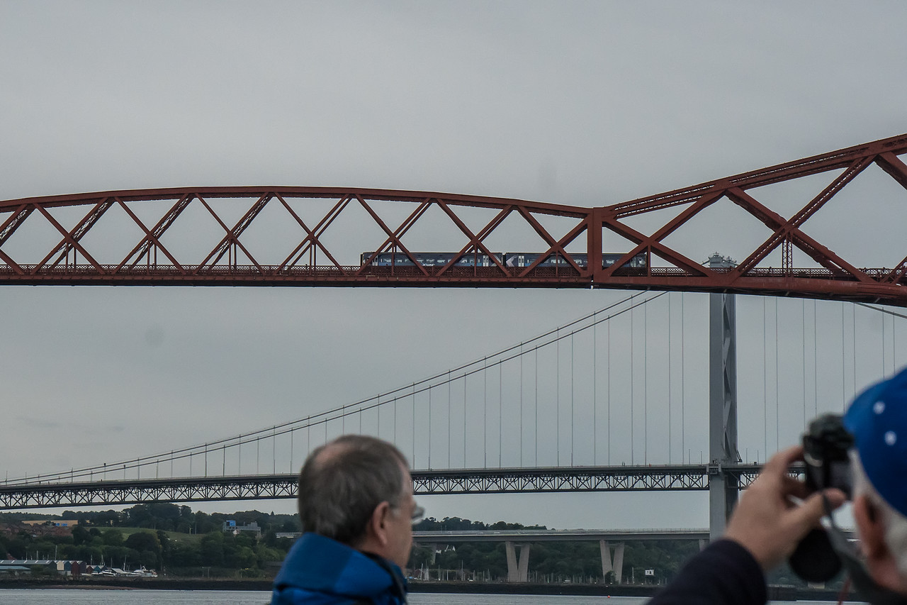 Train crossing the Forth Bridge