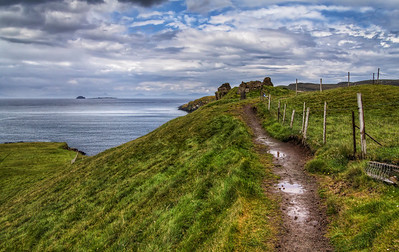 A walk by the sea Photo by Roman Betik from the blog http://www.StillGlimmers.com/