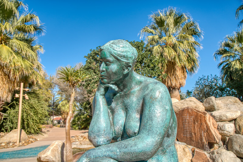 Seated Thinking Woman, a bronze sculpture by Felipe Castaneda