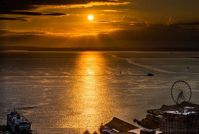 223/365 - Another golden Seattle sunset  NIKON D800  ISO 100  Focal Length 70mm  Aperture f/13  Exposure Time 0.01s (1/100)