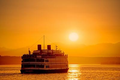 252/365 - Sunset Cruise  Camera NIKON D800  Lens Nikkor 28-300mm ISO 100  Focal Length 300mm  Aperture f/6.3  Exposure Time 0.0031s (1/320)