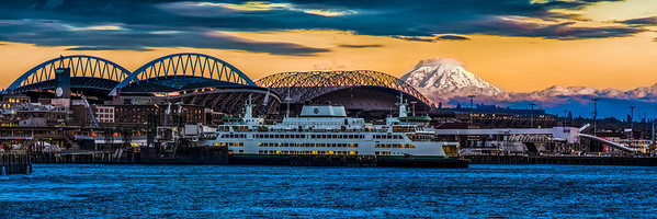 Mt.Rainier and Seattle waterfront