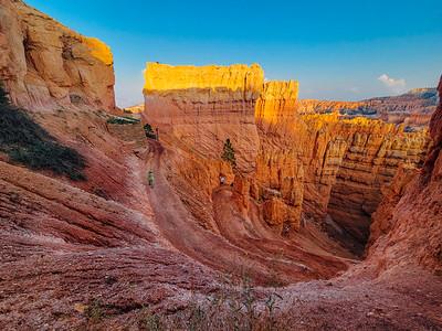 Navajo Loop Trail into the canyon, Bryce Canyon National Park, Utah