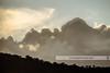 Backlit mountains / Montañas a contraluz