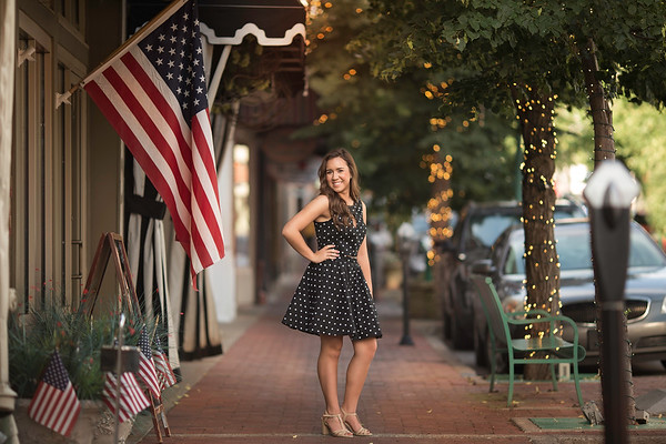 Nashville & Clarksville Senior Photographer