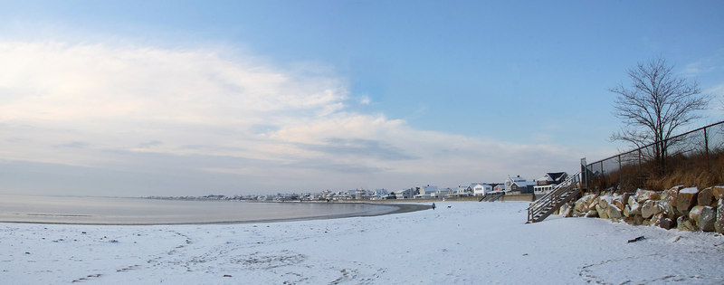 <center>WINTER MORNING ON BURKES BEACH <i>(2007)</i></center> <p></p>