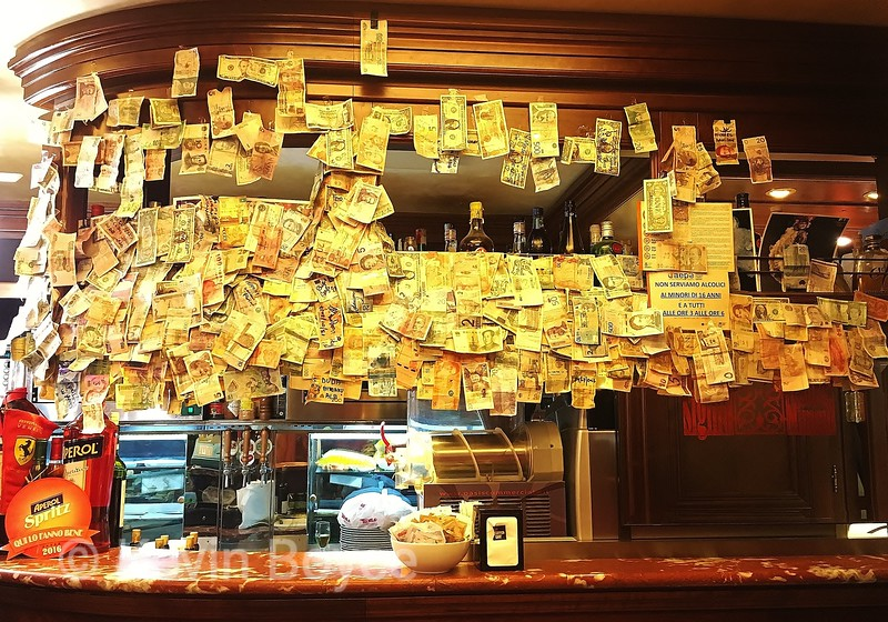 Cash Bar, Venice