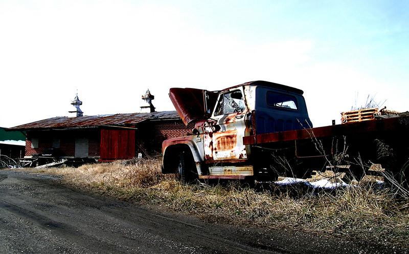 Image #31    Junked truck, Nassau Delaware