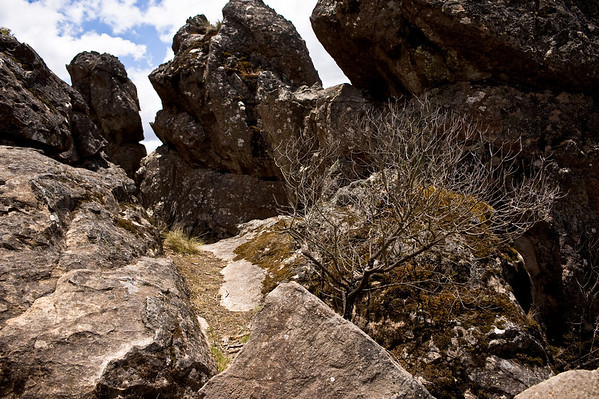"""<font color=#cccccc>More shots of Hanging Rock <a href=""""http://www.whoalse.com/gallery/7122825_vuTC5#456794225_2DBLf"""">here</a>.</font>"""