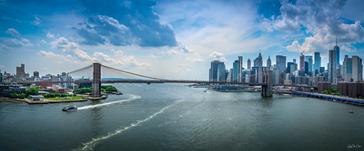 A Walk Across the Manhattan Bridge