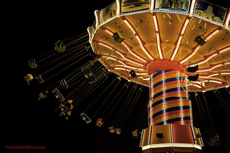 <strong><center> A Carousel ride  in the night <br> Did you know that in Europe carousels usually turn clockwise, while in North America, carousels typically go counterclockwise - looked on from above?