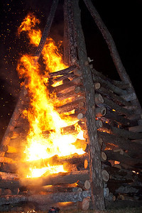 BonfiresXmasEve_Select_JPEG-4167