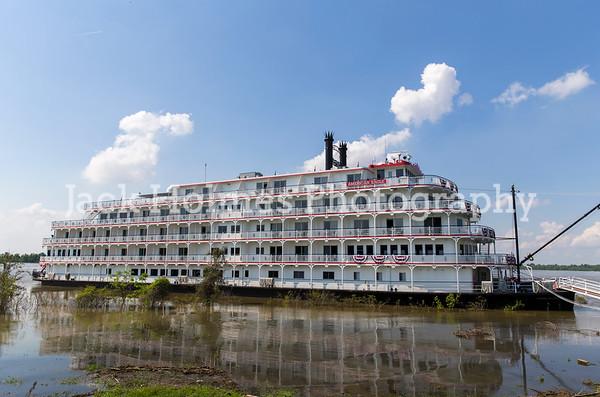 Riverboats/Paddlewheelers