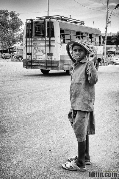 A Boy and a Bus<br /> India