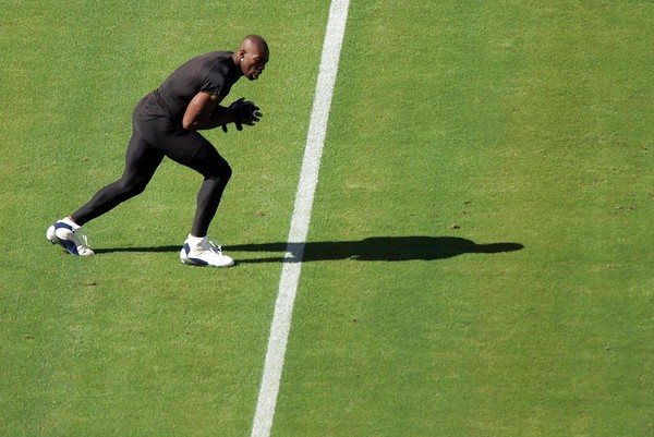 Terrell Owens warming up before a game for the Dallas Cowboys against the Tennessee Titans in Nashville, Tennessee.