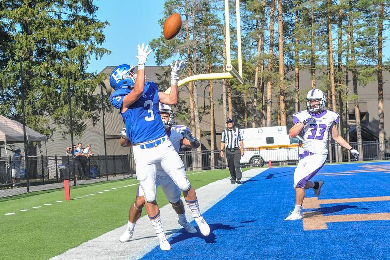 Hamilton College wide receiver Joe Schmidt (3)<br /> <br /> 9/23/17 3:41:05 PM Football:  Amherst College v Hamilton College at Steuben Field, Hamilton College, Clinton, NY<br /> <br /> Final:  Amherst 36  Hamilton 6<br /> <br /> Photo by Josh McKee