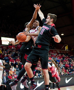NCAA Basketball 2014: Louisville vs Rutgers JAN 04
