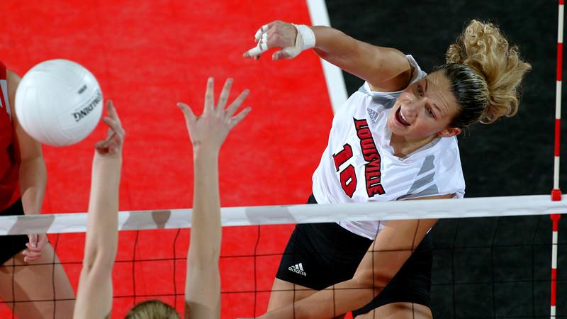 Sonja Percan, Louisville Volleyball