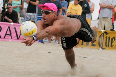 Karch Kiraly dig