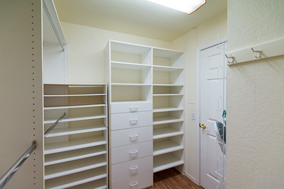 DCS_9632_master_closet