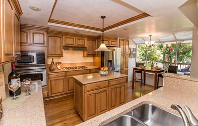 DSC_9707_kitchen