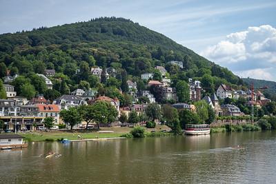 Neckar mit Heiligenberganlage im Hintergrund, Heidelberg, Baden-Württemberg, Deutschland