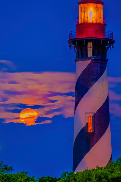 St. Augustine Lighthouse Dawn Pink Moon Setting