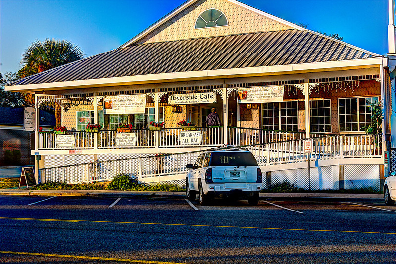 Street view of the Riverside Cafe St. Mary's Ga