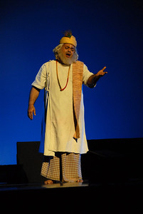 Shekhar Sen written, directed and enacted mono act play on Kabeer (Kabir). Shekhar Sen doing a monologue on the life and philosophy of Sant (Saint) Kabir. You can get more details at:   http://www.shekharsen.com/