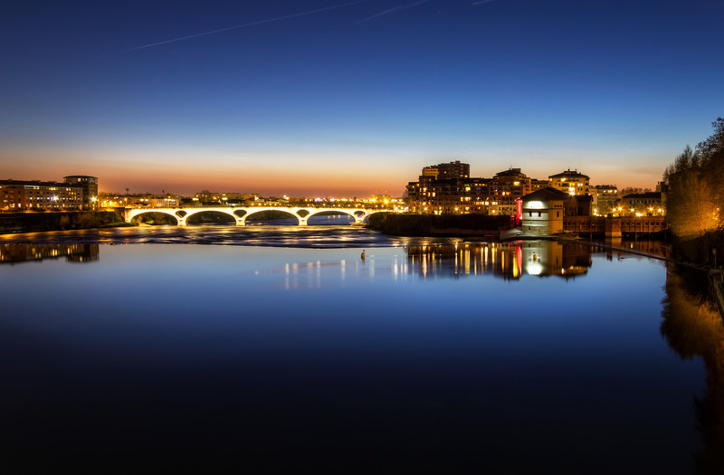 """Toulouse Bridges<br /> Photo by Roman Betik from the blog <a href=""""http://www.StillGlimmers.com/"""">http://www.StillGlimmers.com/</a>"""