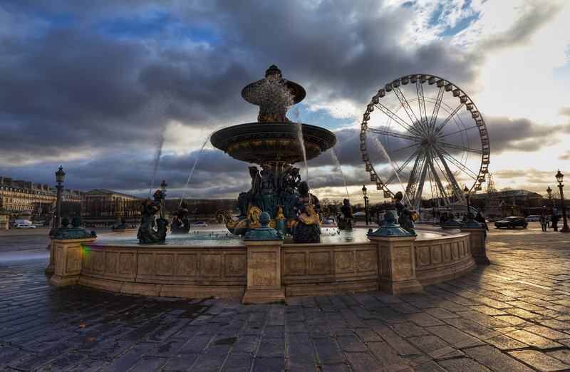 """Place de la Concorde<br /> Photo by Roman Betik from the blog <a href=""""http://www.StillGlimmers.com/"""">http://www.StillGlimmers.com/</a>"""