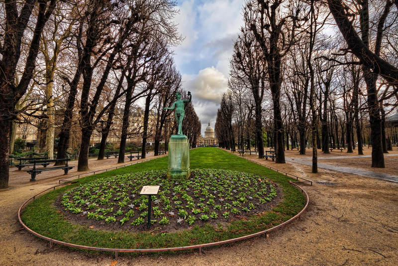 "Jardin du Luxembourg<br /> Photo by Roman Betik from the blog <a href=""http://www.StillGlimmers.com/"">http://www.StillGlimmers.com/</a>"