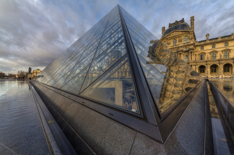"""Louvre Forever<br /> Photo by Roman Betik from the blog <a href=""""http://www.StillGlimmers.com/"""">http://www.StillGlimmers.com/</a>"""
