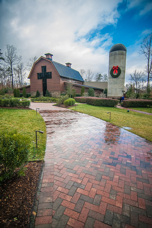 country walk by the village, billy graham library, north carolina