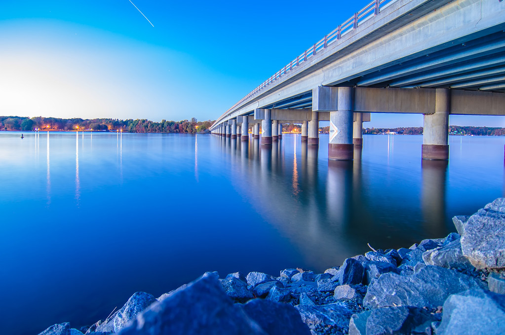 bridge over lake wylie