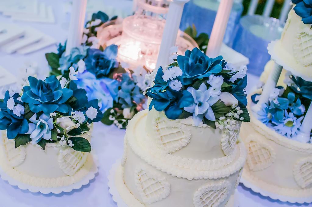 wedding cake with fountain