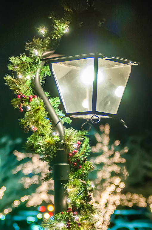 street lights decorated for christmas