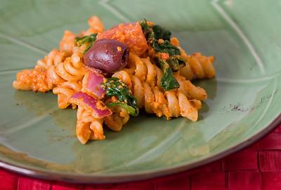 Sundried Tomato Pesto Pasta Salad