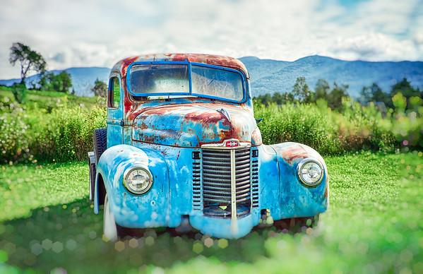 Vintage rusty car in Stowe, VT