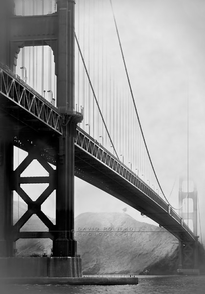 S33 Golden Gate Bridge