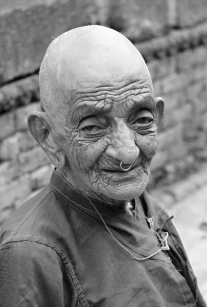 Elderly woman, Pashupatinath, Nepal